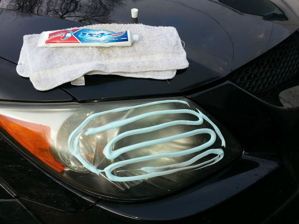 using toothpaste to clean your headlight